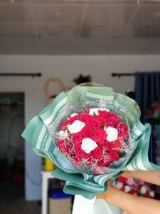 bó hoa hồng tròn