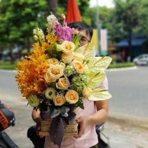 Giỏ hoa độc và lạ
