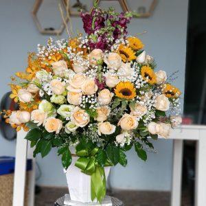 Lẵng hoa tại Tam Kỳ